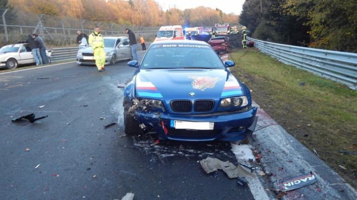 (video) Accident în lanţ pe Nurburgring: 14 maşini sport au fost avariate