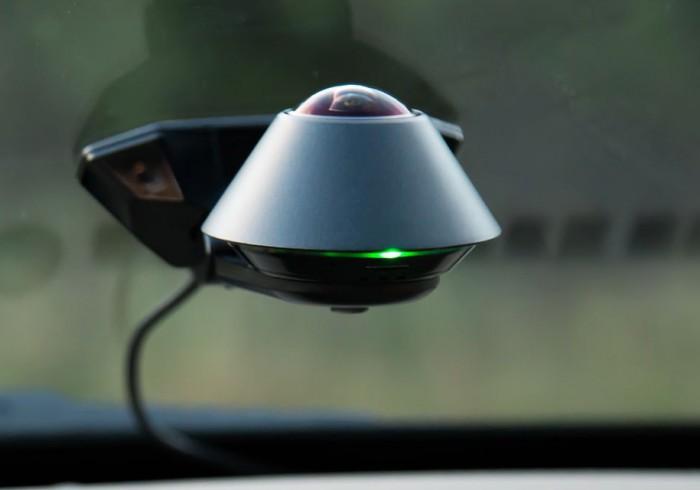 (video) Acest dispozitiv te va anunţa dacă cineva îţi fură maşina. Iată cum funcţionează