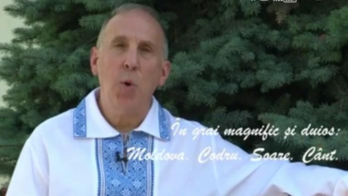 """(video) Ambasadorul SUA la Chișinău recită o poezie cu ocazia Zilei Limbii Române: """"Moldova, Codru. Soare. Dor"""""""
