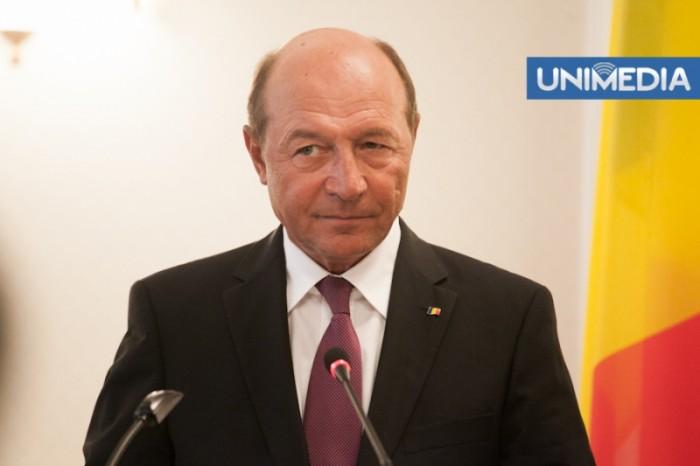 (video) Băsescu: N-aș vrea să fiu părinte de copii în Republica Moldova