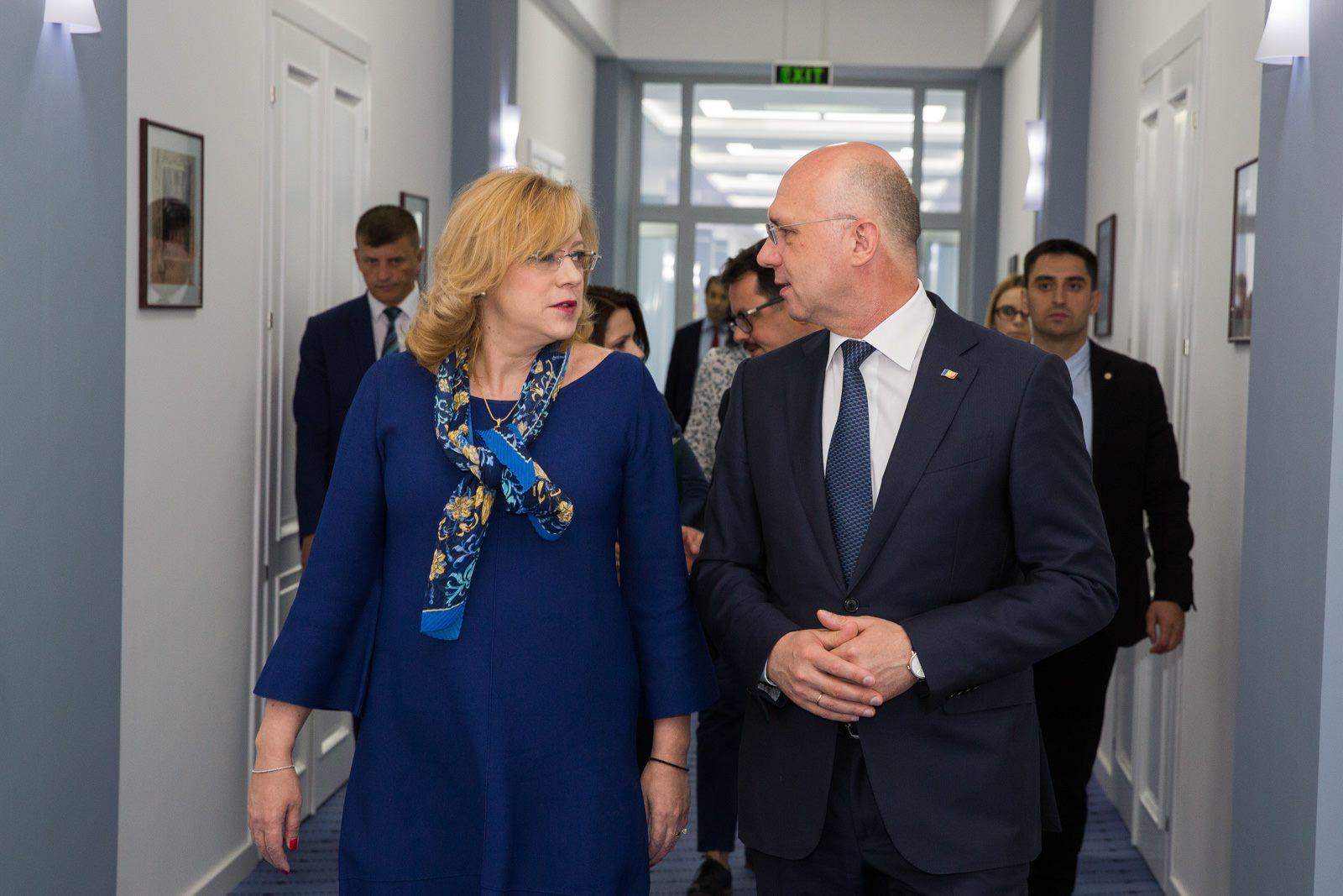 (video) Conferință comună între Comisarul European Corina Crețu și premierul Pavel Filip