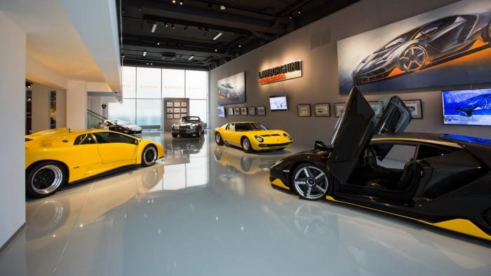 (video) Dacă ai ocazia, viziteaz-o! Lamborghini a organizat într-un muzeu din Rusia o expoziţie unică