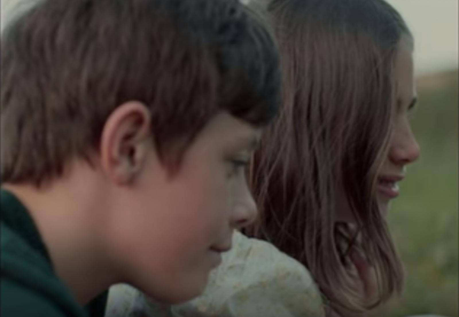 """(video) De data aceasta despre inocență: """"Just a boy""""- O nouă piesă, lansată de Valeria Stoica"""