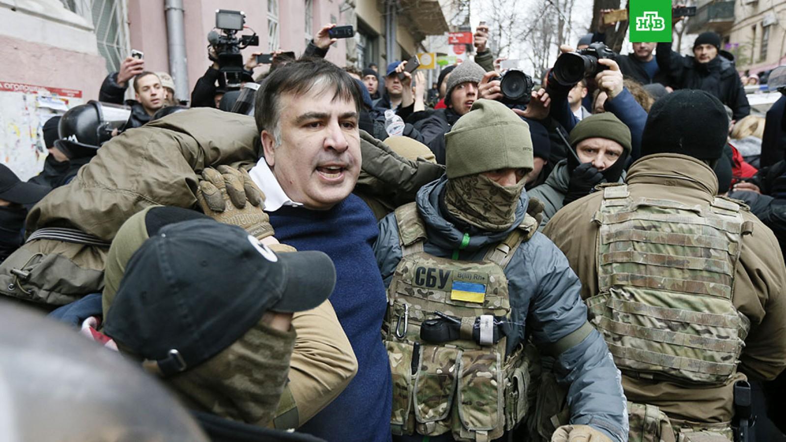 """Video detaliat al momentului în care a fost reținut Mihail Saakashvili: """"Tot drumul spre aeroport îi țineau ochii și gura acoperite"""""""