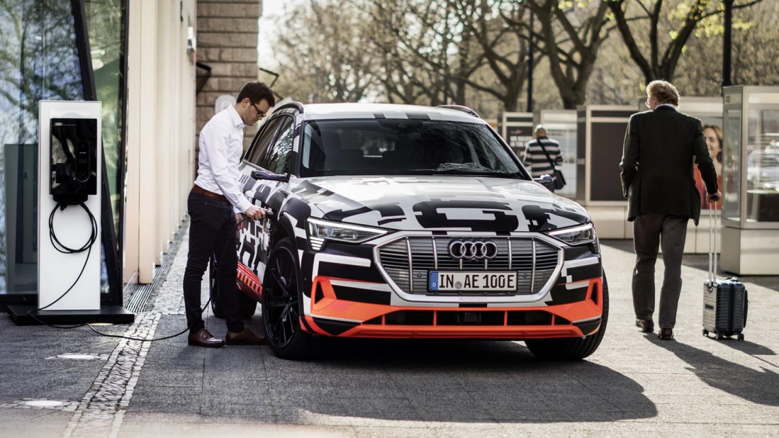 (video) Detalii despre noul Audi e-tron. Ce autonomie va avea şi modurile în care va putea fi încărcat