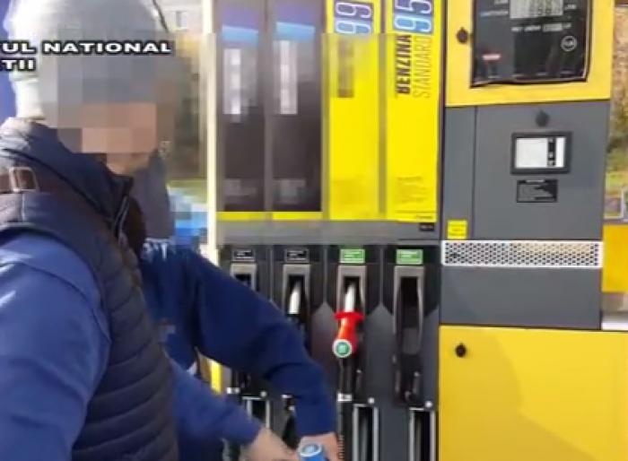 (video) Escrocherie la câteva benzinării din Chișinău. Înșelau lunar clienții cu până la 10 tone de combustibil