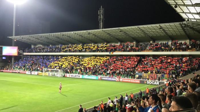 (video) Fază de cascadorii râsului pe stadionul Zimbru. Un suporter al Naționalei Moldovei a intrat pe teren