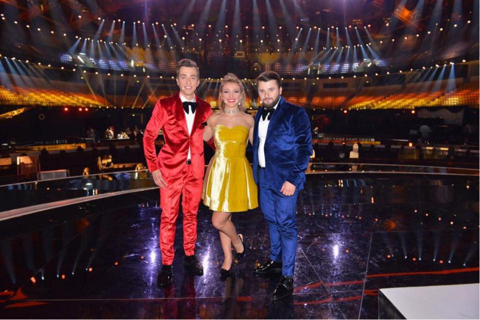 (video/foto) DoReDos, îmbrăcați în culorile tricolorului, au evoluat pe scena de la Lisabona. A avut loc a doua repetiție pentru Eurovision