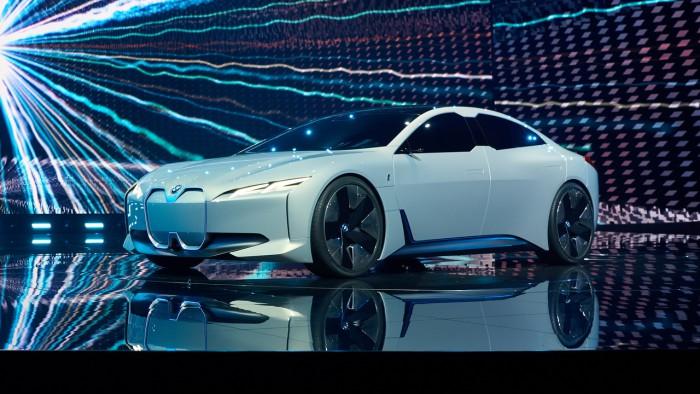 (video) Frankfurt 2017: Premieră mondială – BMW i Vision Dynamics Concept
