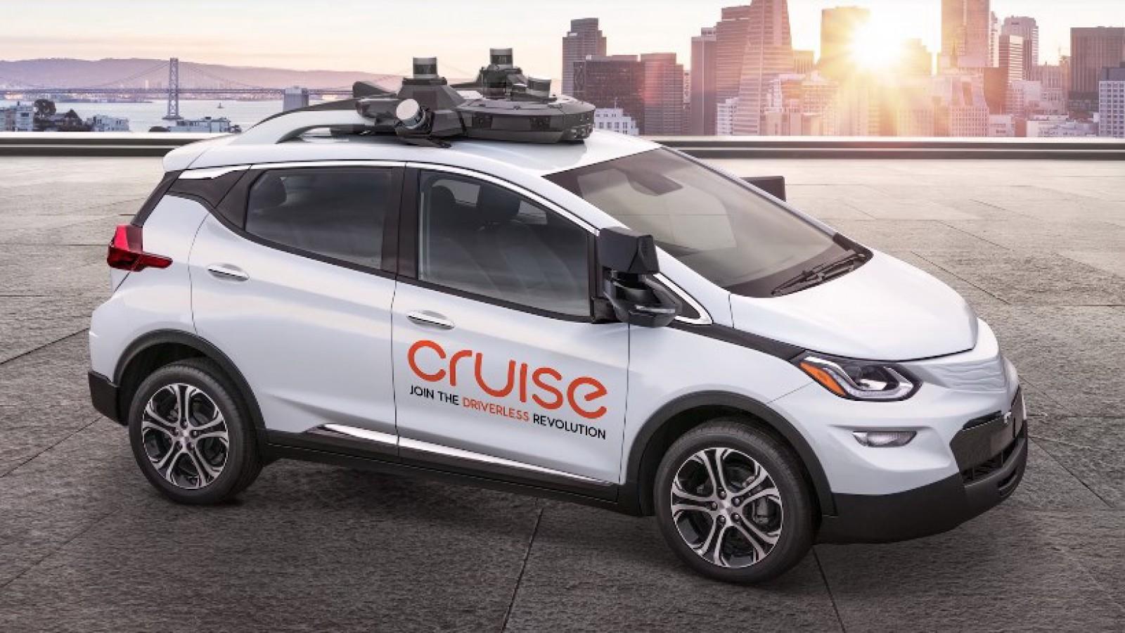 (video) GM Cruise AV – prima maşină fără volan şi pedale care va fi scoasă în trafic în 2019