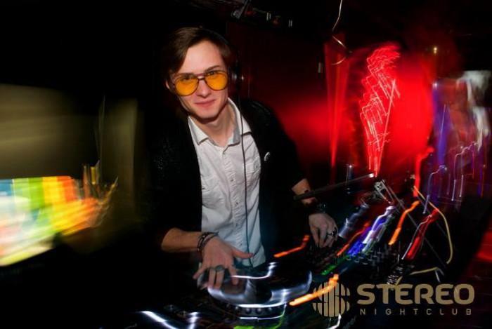 (video) Grigore Greitzer, un tânăr moldovean care muncește DJ în cluburile din cele mai populare orașe din SUA