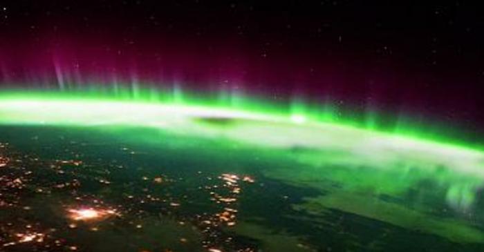 (video) Imagini spectaculoase cu aurora boreală văzută din spațiu au fost filmate de un astronaut italian