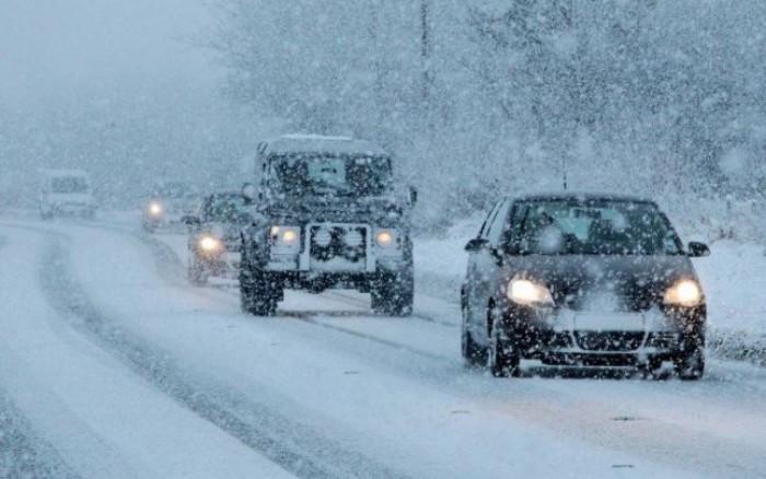 (video) Imagini uimitoare surprinse de un şofer pe un traseu din Moldova. Se circulă ca în plină iarnă