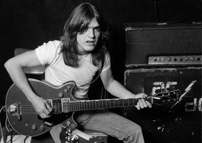 (video) Malcolm Young, chitaristul și fondatorul trupei AC / DC, a decedat