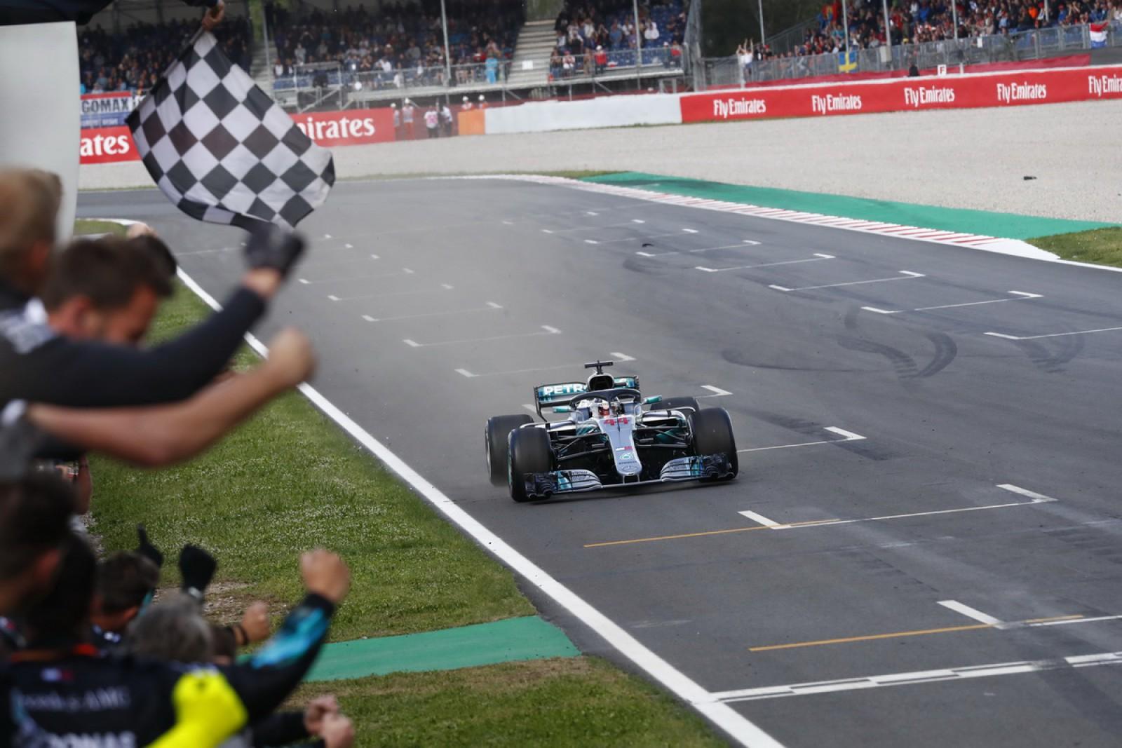 (video) Marele Premiu al Spaniei. Lewis Hamilton şi echipa sa se distanțează de rivalii de la Ferrari