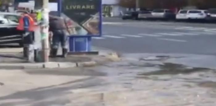 (video) Mase de excremente, pe bulevardul Moscovei din capitală. A avut loc un accident de canalizare cu miros insuportabil