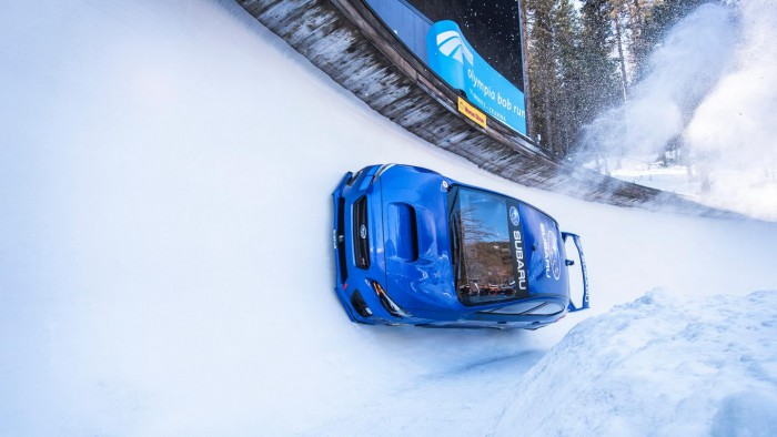 (video) Nebunie curată. Un Subaru WRX STI a fost condus brutal pe o pistă de bobsleigh