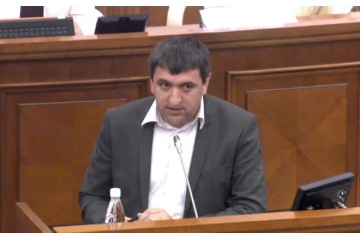 (video) Note ridicate în Parlament. Carp, către socialiști: Când mama dracului veți cere retragerea trupelor ruse?