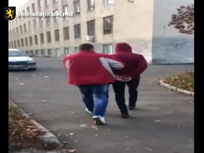 (video) O tânără din capitală, atacată noaptea în stradă. Făptașul a fost reținut
