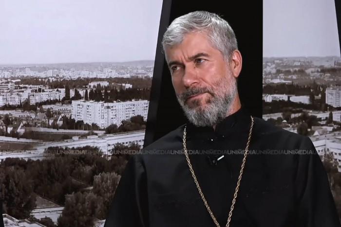 """(video) Parohul Alexandru Iamandii, despre preoții care se implică în politică: """"nu le face față"""", dar """"sunt cazuri când preoții nu pot să tacă"""""""