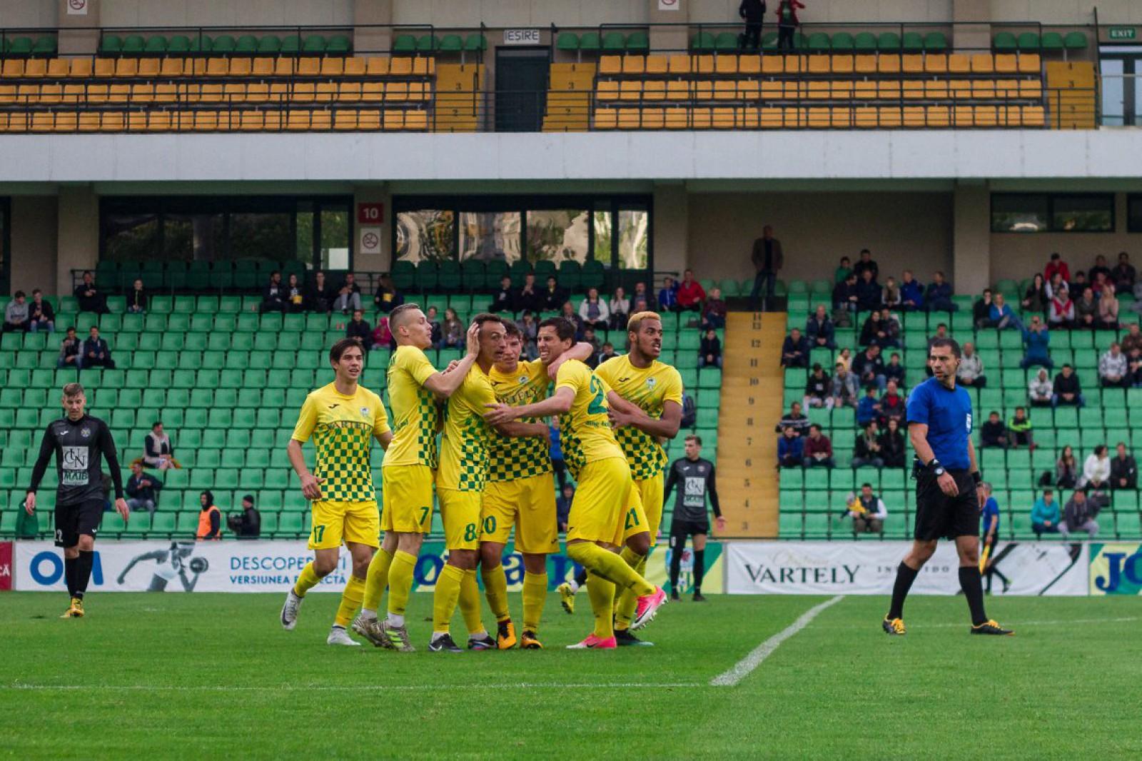 (video) Patru goluri și două eliminări! Zimbru a remizat la Chișinău cu Petrocub Hîncești