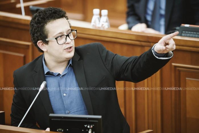 """(video) PLDM a părăsit ședința Parlamentului. Pistrinciuc: """"Prin întoarcerea legilor, guvernarea i-a dat posibilitatea lui Igor Dodon să se manifeste"""""""