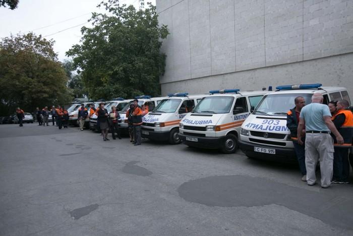 (video) Premieră în sistemul medical: Ambulanțe, dotate cu sisteme GPS și camere video, cu suportul Orange