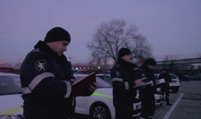 """(video) Provocarea """"Mannequin Challenge"""", acceptată de IGP. Cum au pozat colaboratorii poliției"""