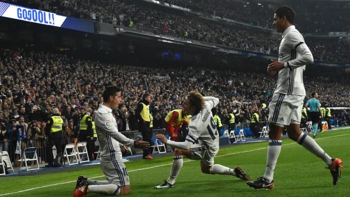 (video) Real Madrid este cu un picior în sferturile Cupei Spaniei! Galacticii au învins-o la scor pe Sevilla