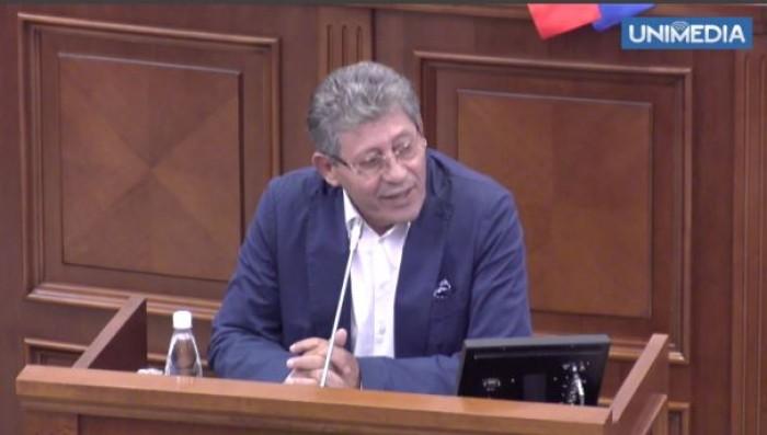 (video) Stop Cadru: Ghimpu apostrofează deputații din Parlament