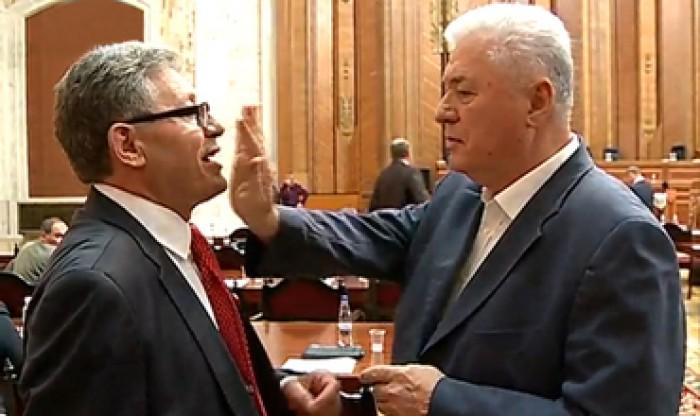 (video) Stop cadru: Lecții de istorie de la Voronin, în Parlament