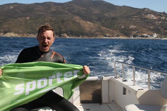 (video) Un înotător din Moldova a traversat înot strâmtoarea Gibraltar