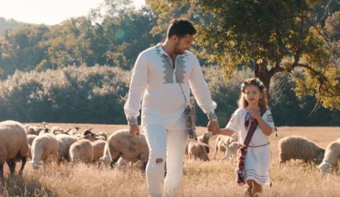 (video) Valentin Uzun și fiica sa, într-o producție emoționantă. Cântă despre Moldova, iar videoclipul este filmat în cele mai frumoase locuri
