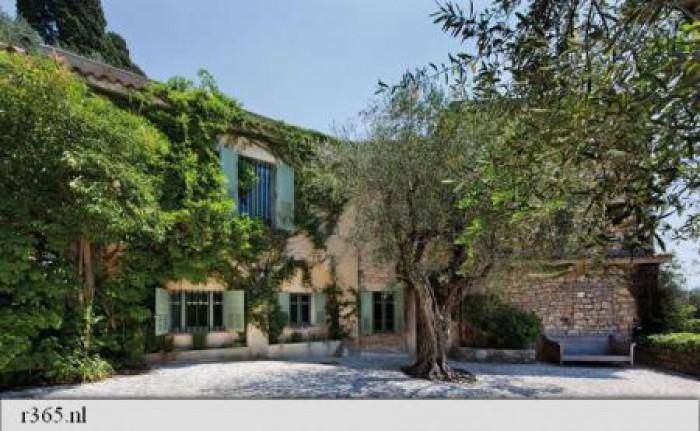 Vila în care Picasso și-a petrecut ultimii ani din viață, scoasă la licitație. Cum arată aceasta