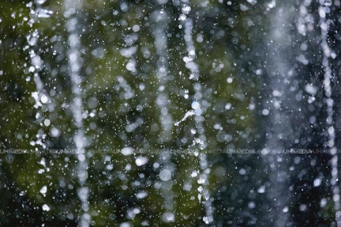 Vin ploile. După cod galben de caniculă ne așteaptă ploi în toată țara