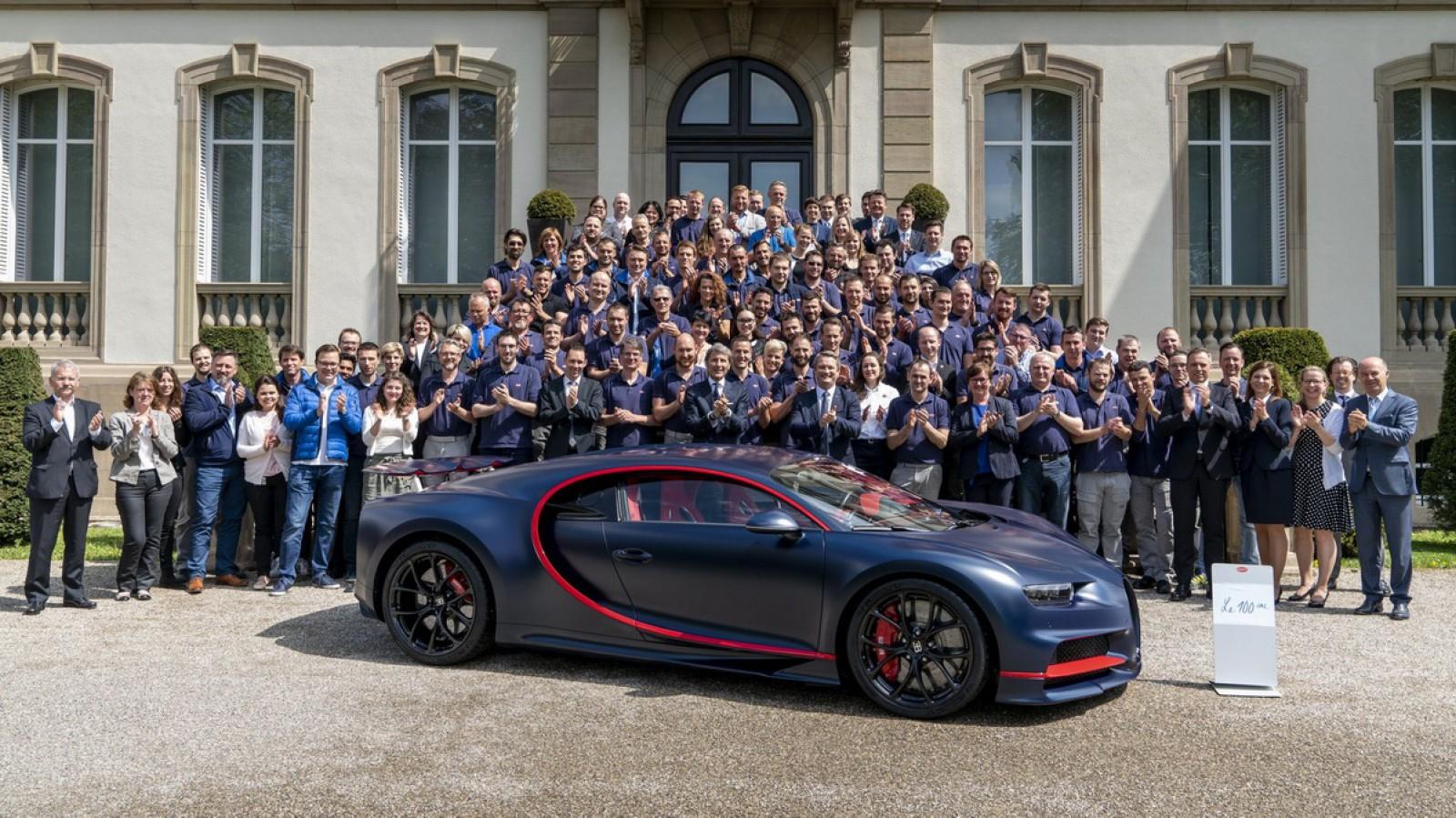 Zi importantă pentru Bugatti. A făcut şi a livrat al 100-lea exemplar al hipercarului exclusivist Chiron