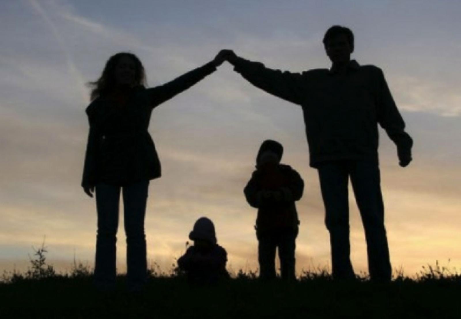 """""""Ziua Internațională a Familiei"""", prilej pentru polițiști de a desfășura activități de prevenire a violenței în familie"""