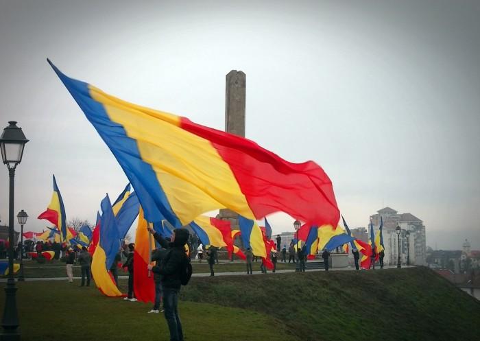 Ziua României vine cu amenzi pentru românii din diasporă: trebuie să prezinte actele pentru schimbarea rezidenței fiscale