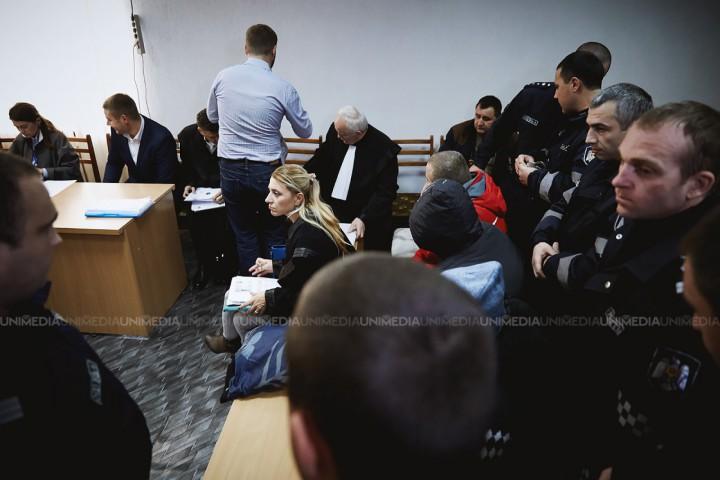 (video) Ședință amânată, în cazul Braguța: Un inculpat și-a fracturat piciorul și nu s-a prezentat