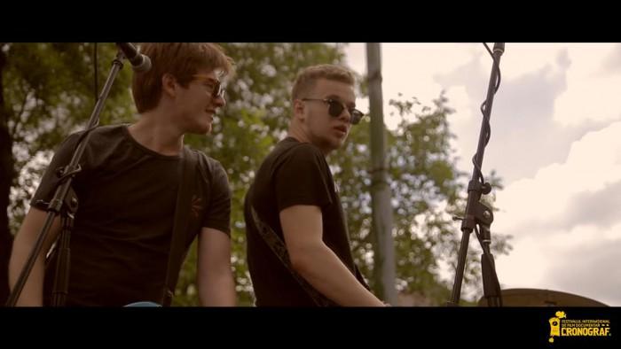 (video) CRONOGRAF&Music a colindat orașul într-un camion cu muzică live