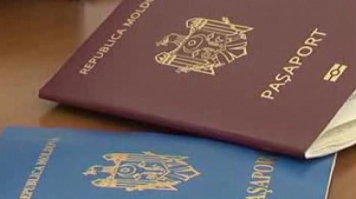 """Decis! Pașapoartele moldovenești vor fi de culoare """"roşie-vişinie"""""""