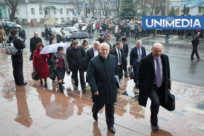 Deputații vor reveni la muncă la sfârșitul lunii ianuarie