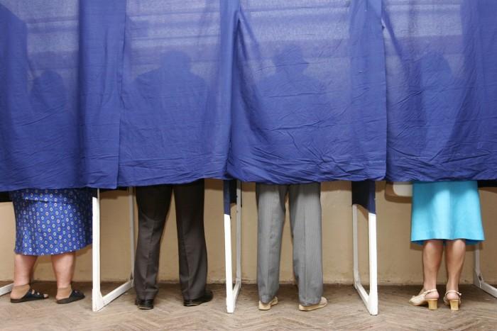 (doc) Coaliția de guvernare a decis data alegerilor parlamentare