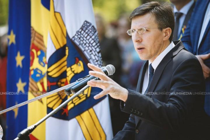 Dorin Chirtoacă susține candidatura lui Munteanu din partea PL la alegeri. Ex-primarul are planuri să-și continue cariera politică în Parlament