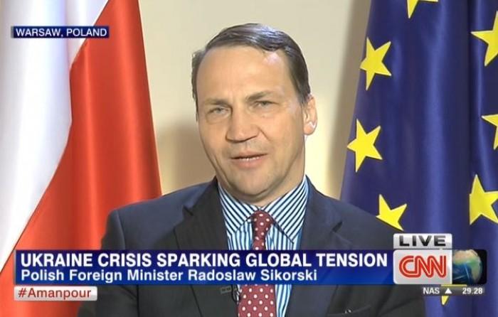 """(video) Sikorski: Putin ar putea întoarce Europa în """"iadul"""" secolului XX"""