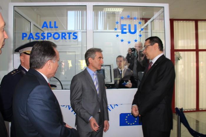 """""""Fără vize peste Prut"""". Leancă și Ponta au marcat împreună liberalizarea regimului de vize pentru moldoveni"""