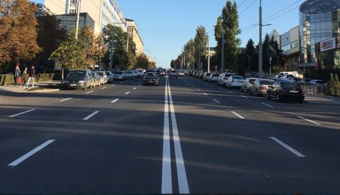 """(foto) Dorin Chirtoacă spune că bulevardul Ștefan cel Mare """"s-a luminat"""" și roagă locuitorii să-l inaugureze de Hramul Orașului"""