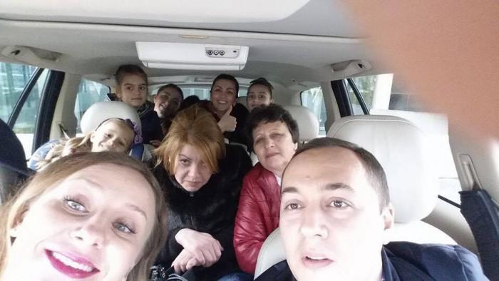 (foto) Mobilizare și în Eleveția. Un grup de moldoveni au mers la vot la Geneva