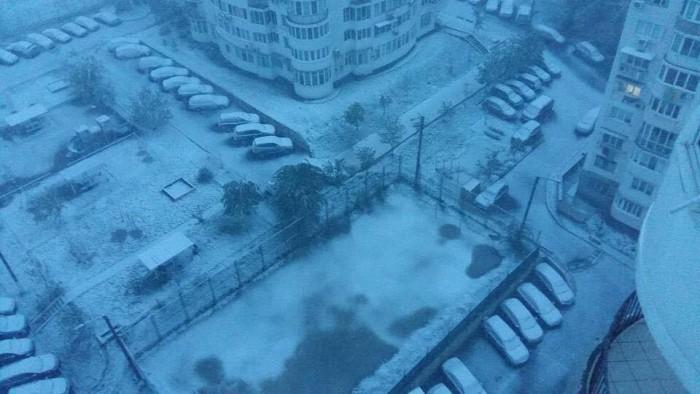 (foto/video) Unde ninge puternic în această dimineaţă şi cum se circulă în afara oraşului