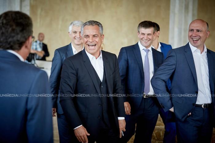 (foto) Vlad Plahotniuc și-a exercitat dreptul la vot: Indiferent de rezultatul votului, Republica Moldova rămâne pe calea europeană